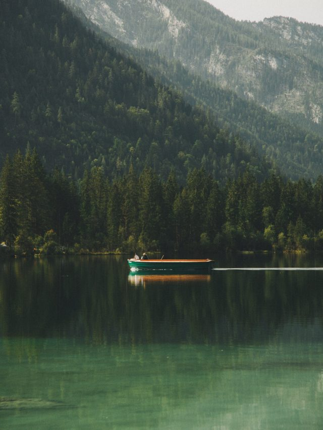Small boat on Hintersee