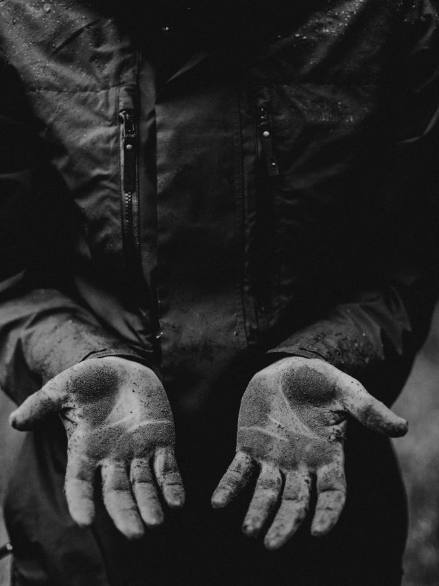 Hands with dirt