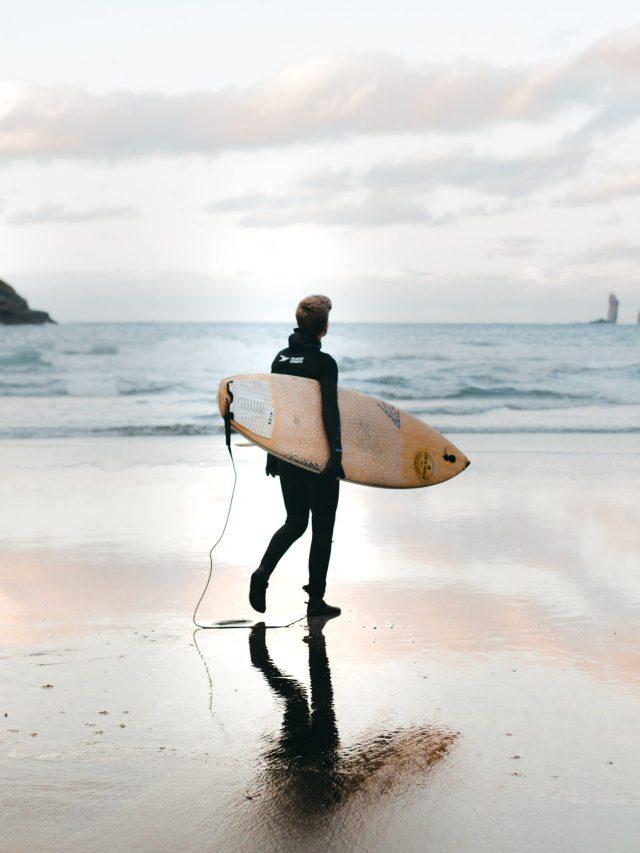 Women surfer - Faroe Islands